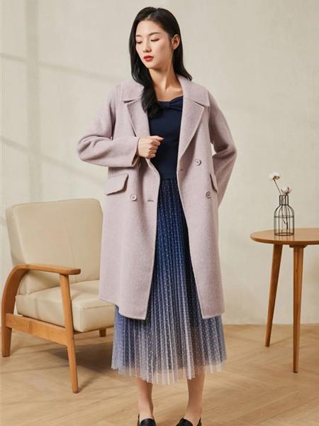 片断女装品牌2020秋冬浅紫色素雅双排扣温柔风毛呢