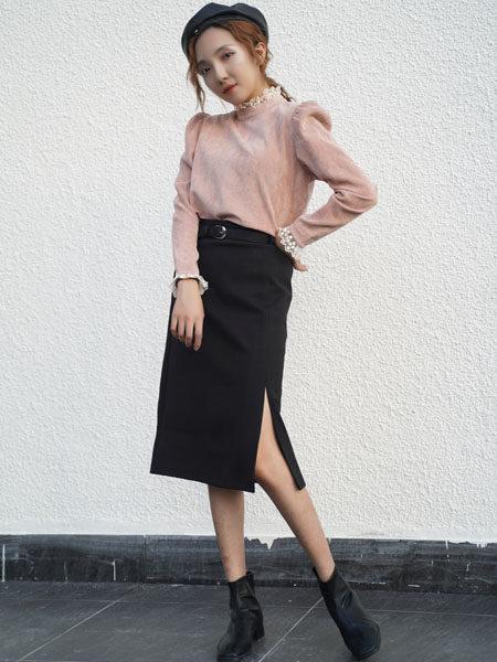 薇薇希女装品牌2020秋冬粉色蕾丝泡泡袖上衣