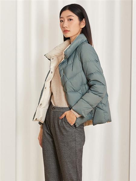 圣可尼女装品牌2020秋冬蓝色高领短款羽绒服