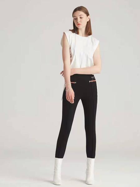狩妖女装品牌2021春夏白色无袖圆领极简风上衣