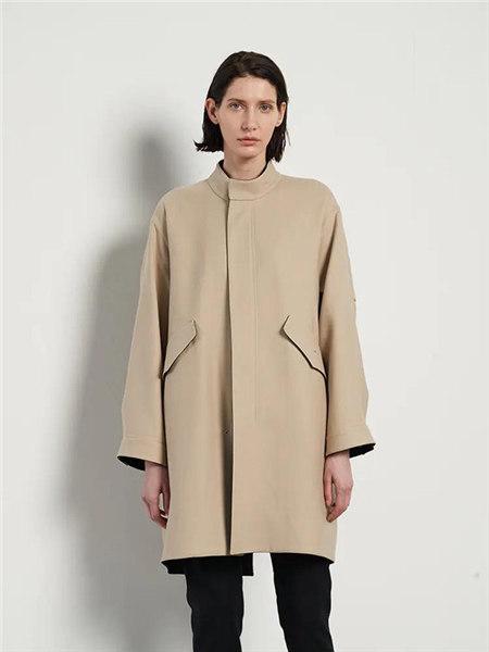 己以女装品牌2020秋冬杏色简约大气时尚毛呢大衣