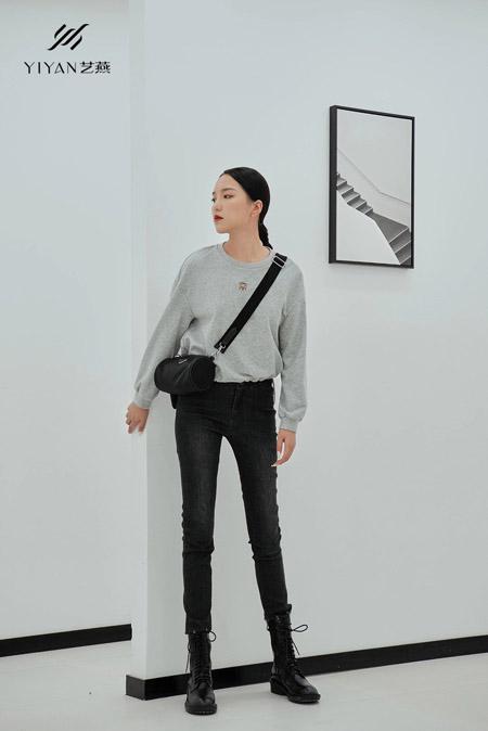 艺燕女装品牌2021春季灰色卫衣