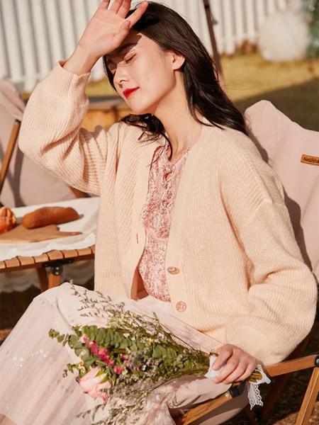 季候风女装品牌2021春夏淑女休闲俏皮