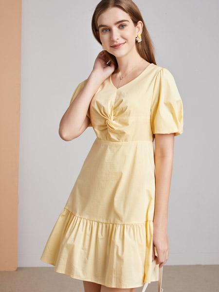 城市衣柜女装品牌2021春夏黄色俏皮连衣裙
