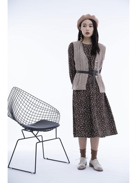 留刻LIUKE女装品牌2021春夏针织衫连衣裙