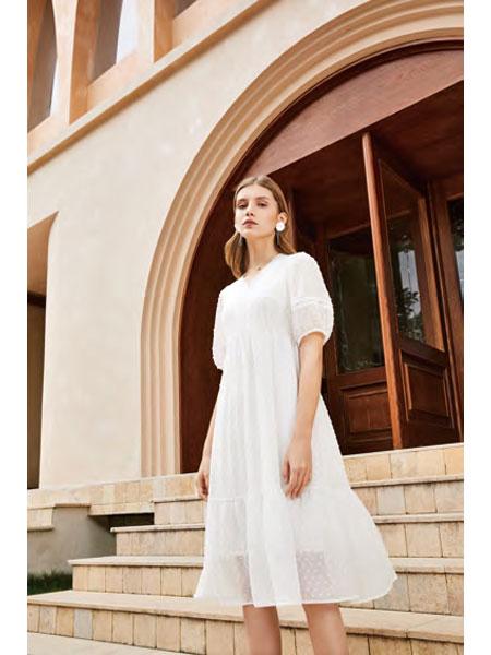 你即永恒女装品牌2021春夏白色俏皮连衣裙