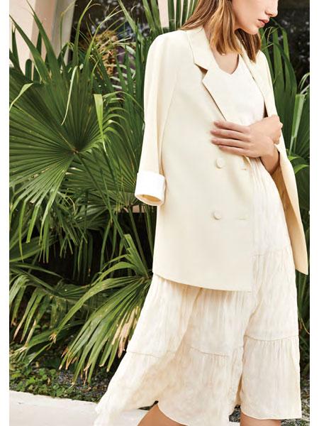 你即永恒女装品牌2021春夏白色商务长款外套