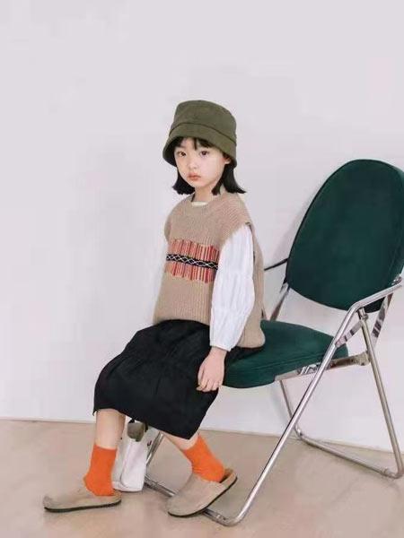 小嗨皮童装品牌2021春夏针织图案背心