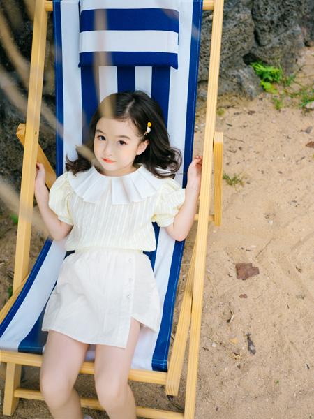 KISSABC童装品牌2021春夏淡黄色