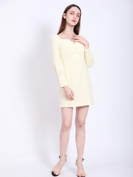 SASLAX莎斯莱思女装品牌2021春夏淡黄色无领连衣裙