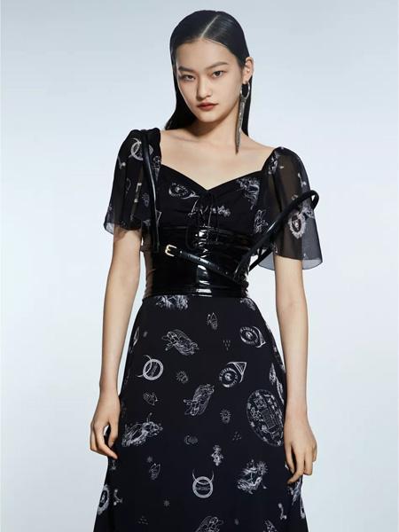 欧点OU.女装品牌2021春夏黑色网纱长裙
