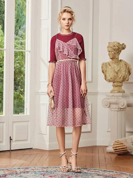斐格思女装品牌2021春夏粉色波点吊带长裙
