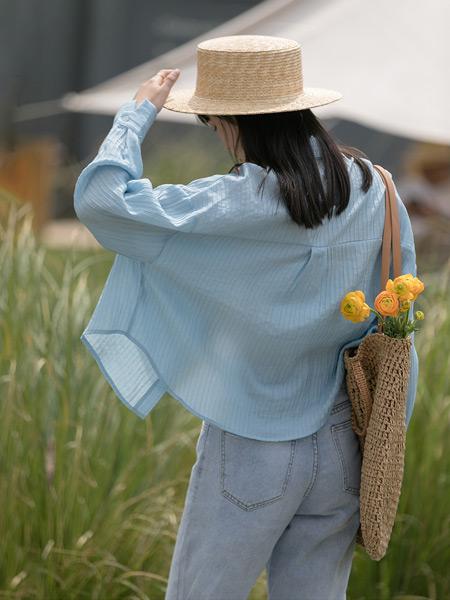 EGGKA女装品牌2021春夏蓝色外套