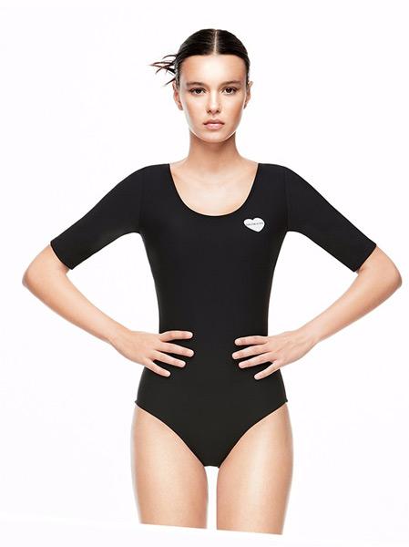 范德安户外品牌2021春夏简单三角泳衣