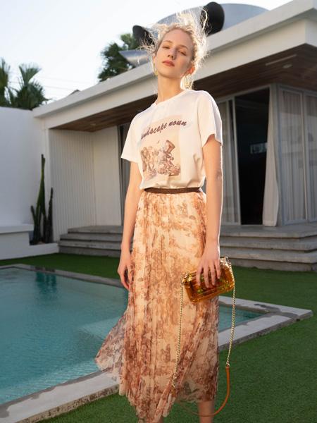 红凯贝尔女装品牌2021春夏休闲T恤