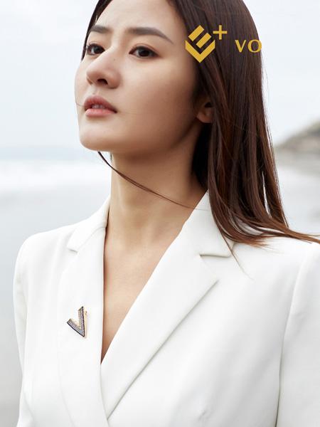 E+vonuol我的私人衣橱女装品牌2021春夏白色西装外套