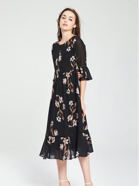 爱弗瑞女装品牌2021春夏中袖长裙