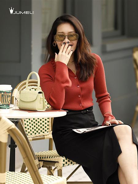 芮玛女装品牌2021春夏暗红色外套
