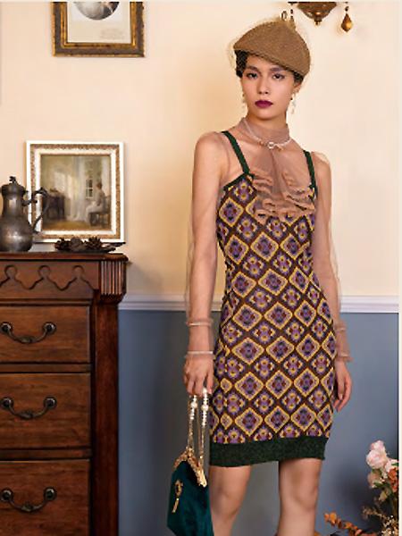 电影时装女装品牌2021春夏性感吊带两件套