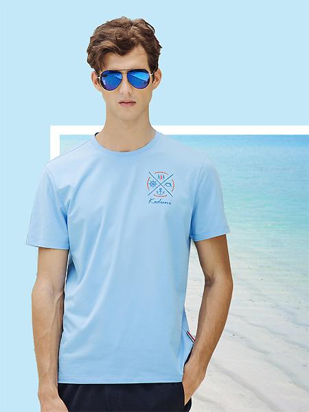 卡度尼男装品牌2021春夏淡蓝色T恤