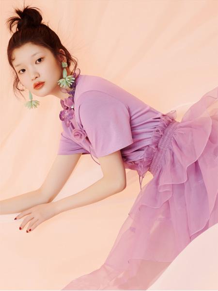 欧点OU.女装品牌2021春夏紫色雪纺连衣裙