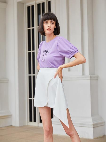 �有信��b品牌2021春夏紫色��松上衣