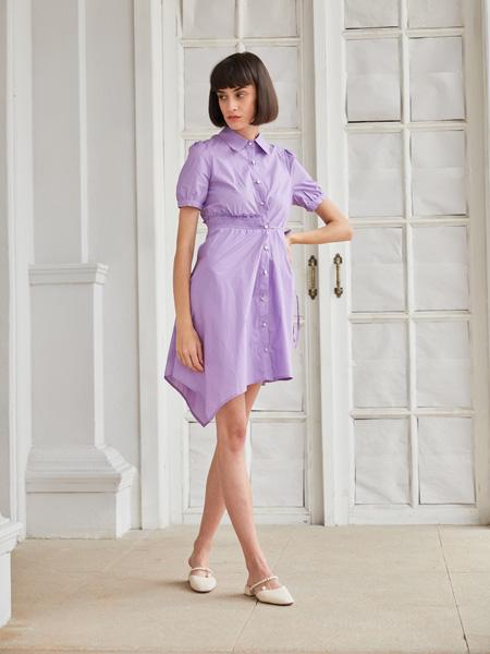 �有信��b品牌2021春夏紫色排扣�B衣裙