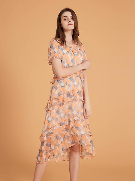 集娴女装品牌2021春夏暖色系连衣裙