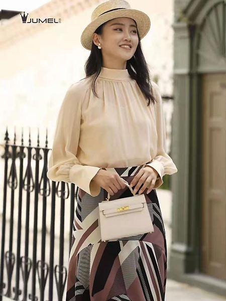 芮玛女装品牌2021春夏优雅肤色上衣