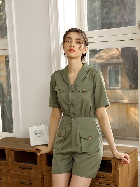 爱依莲女装品牌2021春夏军绿色套装