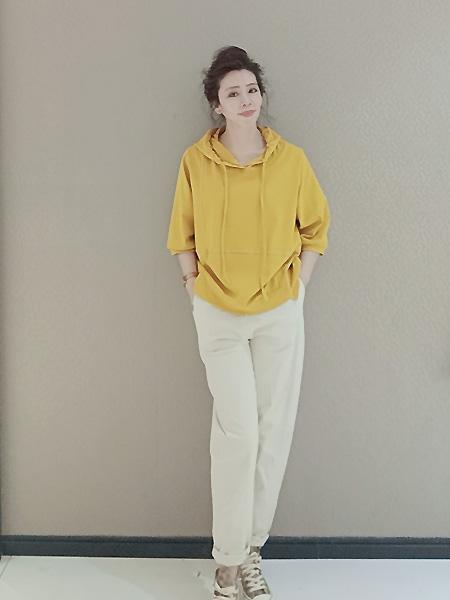 天施丽女装品牌2021春夏黄色宽松卫衣
