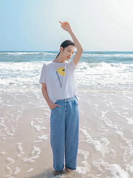 角度女装品牌2021春夏休闲T恤