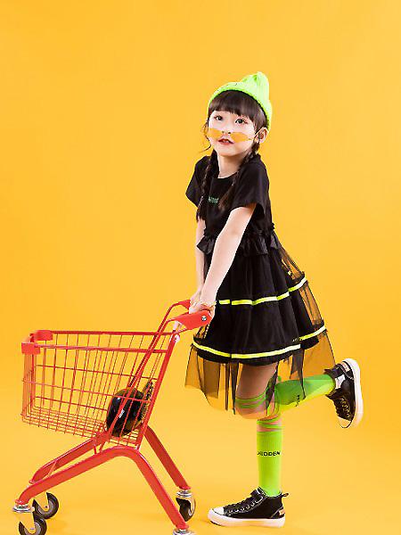 棉绘童装品牌2021春夏黑色网纱连衣裙