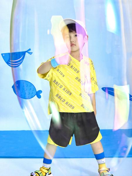 宝贝传奇童装品牌2021春夏黄色印字母T恤