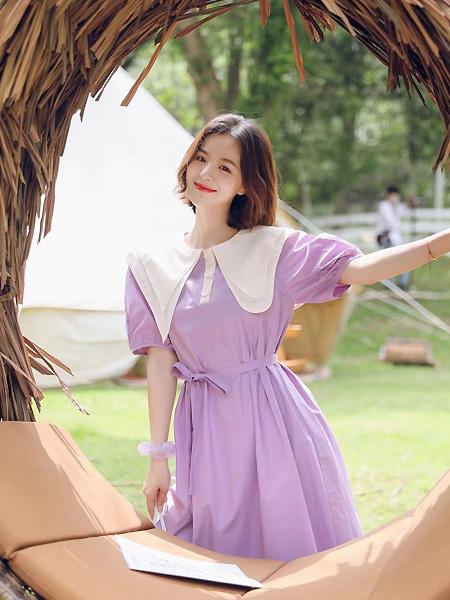 歌米裳女装品牌2021春夏紫色灯笼袖束腰连衣裙