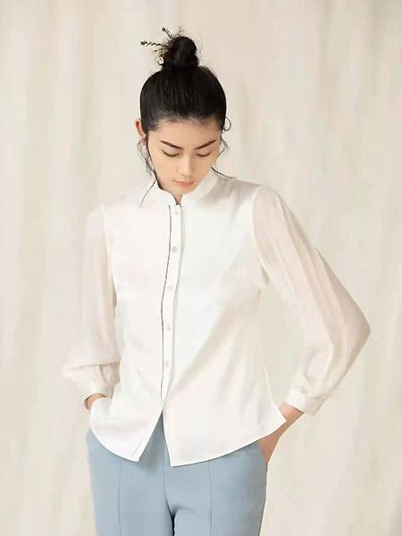衡韵女装品牌2021春夏立领排扣雪纺衬衫