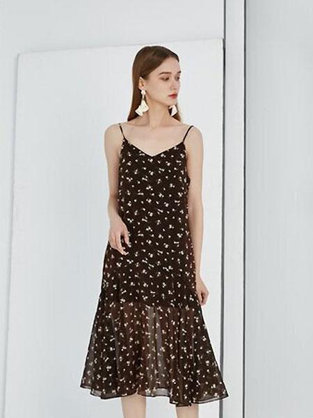 Keine Siege女装品牌2021夏季吊带雪纺连衣裙