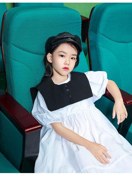 朴与素童装品牌2021春夏学院风宽松连衣裙