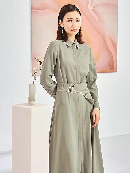 觅恋女装品牌2021春夏翻领复古绿色长裙
