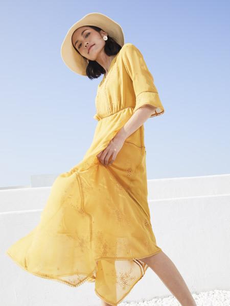 弗蔻Fu Kou女装品牌2021夏季黄色沙滩长裙