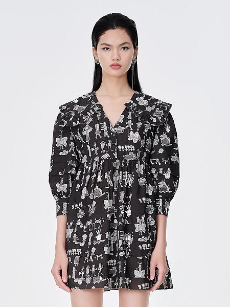 DAZZLE地素女�b品牌2021夏季黑色��松印花娃娃�I�B衣裙