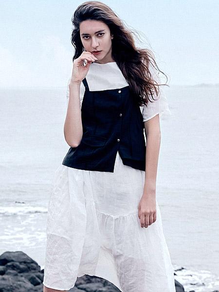 氏伽女裝品牌2021夏季純棉兩件套白色長裙