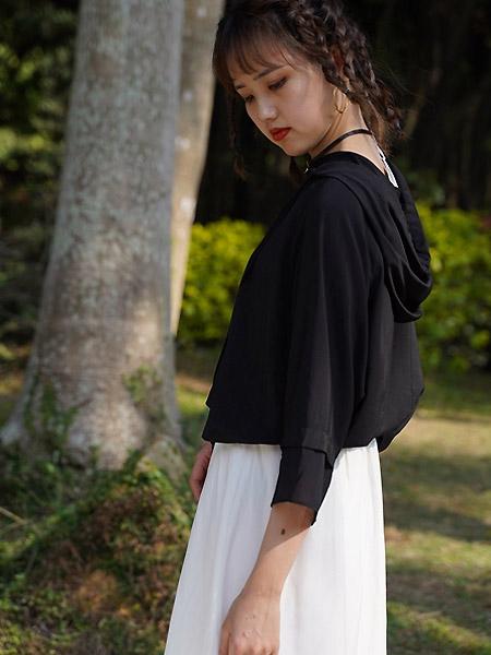 薇薇希女裝品牌2021夏季寬松連帽上衣