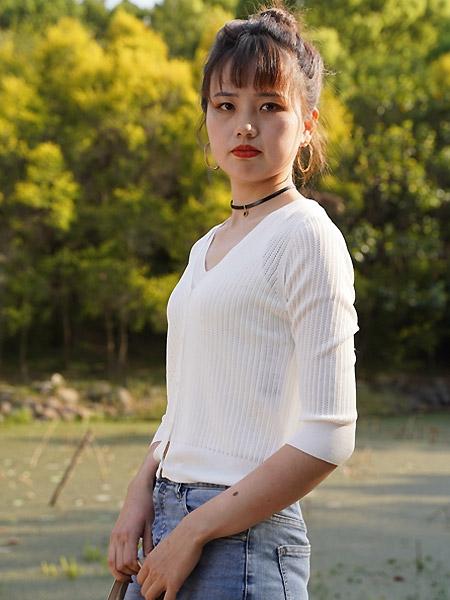 薇薇希女装品牌2021夏季V领针织开衫