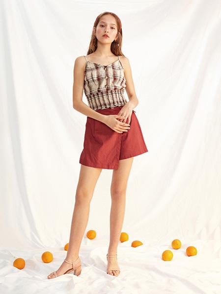 西遇-WESTLINK女装品牌2021春夏吊带收腰上衣