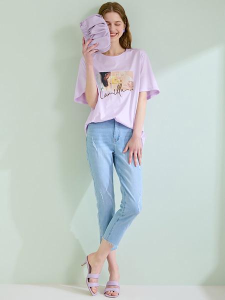 轩日女装品牌2021夏季紫色休闲T恤