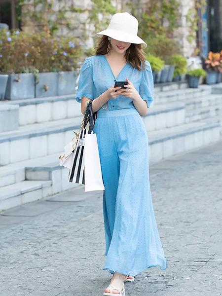 城绘女装品牌2021春夏蓝色度假长裙