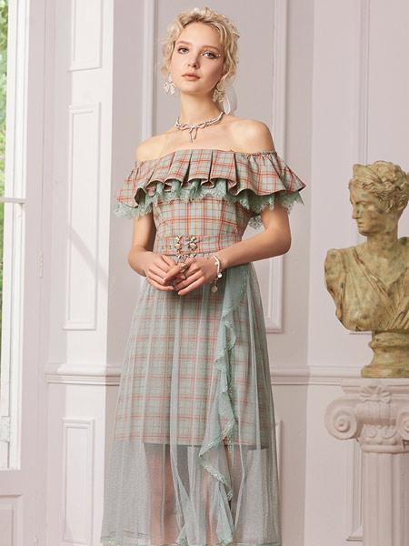 斐格思女装品牌2021夏季一字肩吊带连衣裙小心机露肩收腰格子拼接网纱裙