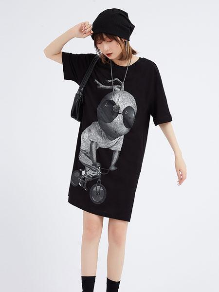 木果果木2021夏季潮牌宽松圆领黑色大码胖mm短袖印花t恤连衣裙