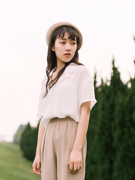 MUZE 沐沢女装品牌2021春夏法式翻领衬衣